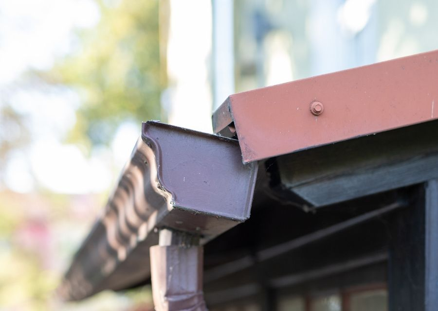 Important Winter Gutter Maintenance for your Royal Oak Michigan Home
