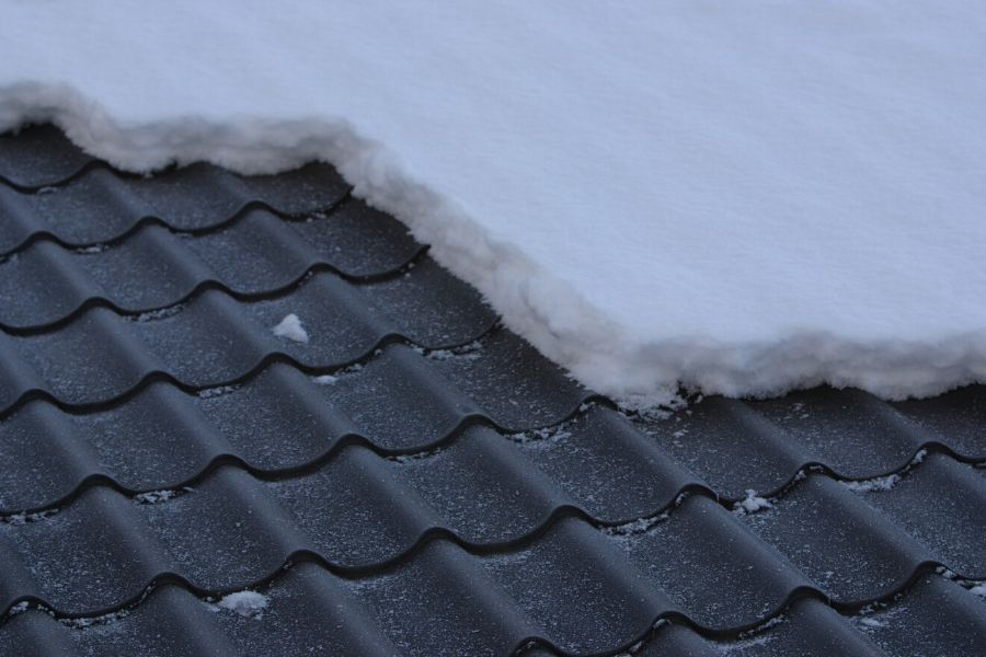 Choosing the Right Materials for Low Slope Roofs in Royal Oak Michigan