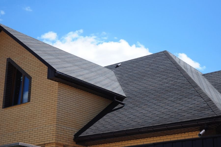 Common Issues That Require Professional Roof Repair in Royal Oak Michigan